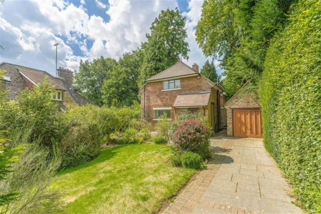 2 Bedroom Detached House For Sale In Woodhurst Park Oxted Surrey
