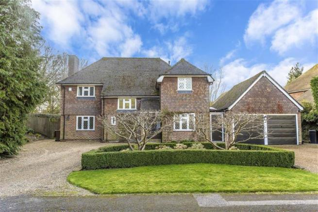 4 Bedroom Detached House For Sale In Park Road Oxted Surrey RH8