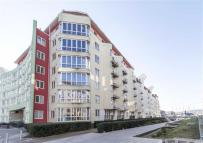 Hannover Quay Flat for sale