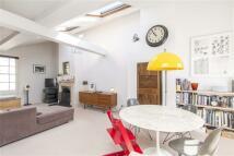 2 bedroom Terraced home in East Grove, Montpelier...