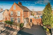 5 bed property in Newport Manor,4...