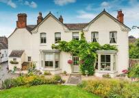 6 bed Detached home in Church Aston Farmhouse...