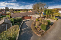 Detached Bungalow for sale in Lansdowne...