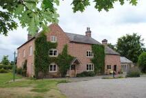7 bedroom Farm House to rent in Grange Road, Bronington...