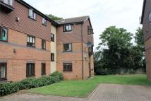 2 bed Flat in Woodfall Drive, Crayford