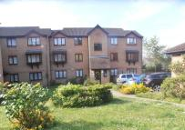 Flat for sale in Wingrove Drive, Purfleet...