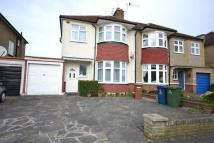 3 bed house in Cambridge Road, HA2
