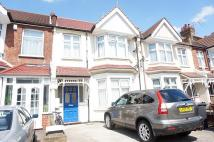 Flat to rent in Pinner Road, HA1