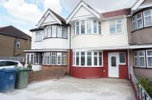 3 bed house in Lynton Road, HA2