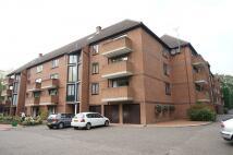 2 bedroom Flat to rent in Winslow Close, HA5