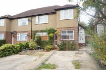 2 bed Maisonette to rent in Valley Close, HA5