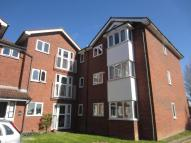 Flat to rent in Vicarage Close, UB5