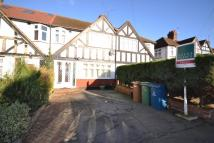 3 bed house in Rayners Lane, HA2