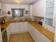 2 bedroom Flat in Walnut Court, ...