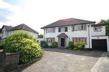 4 bed Detached home for sale in Millway London NW7