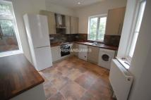 Ground Flat to rent in Sylvan Avenue, London...