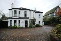 4 bedroom Detached property to rent in Hendon Wood Lane, NW7