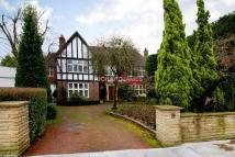 5 bedroom Detached house for sale in Manor Hall Drive, Hendon...