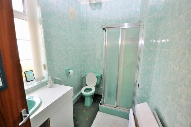 31a SHOWER ROOM