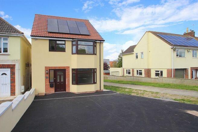 3 bedroom detached house for sale in wells road