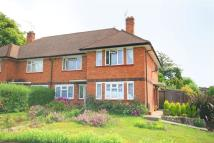 Ground Flat to rent in The Crescent, Epsom