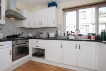 Flat to rent in Hendre Road, London, SE1