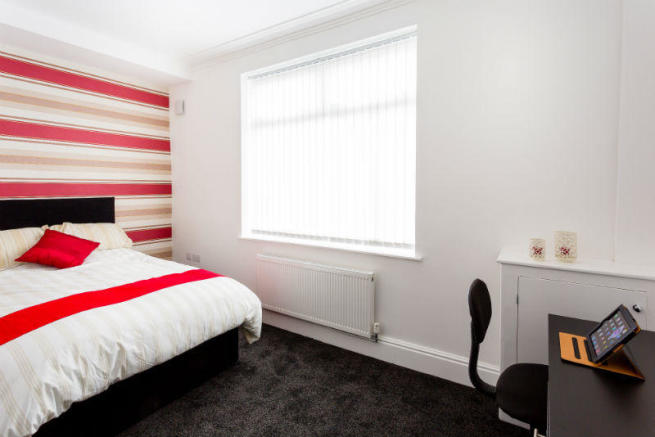 Copy of 16-suffolk-street-student-accommodation-bedroom-1
