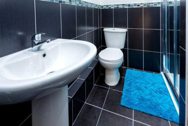 86 Blandford bathroom 1.2