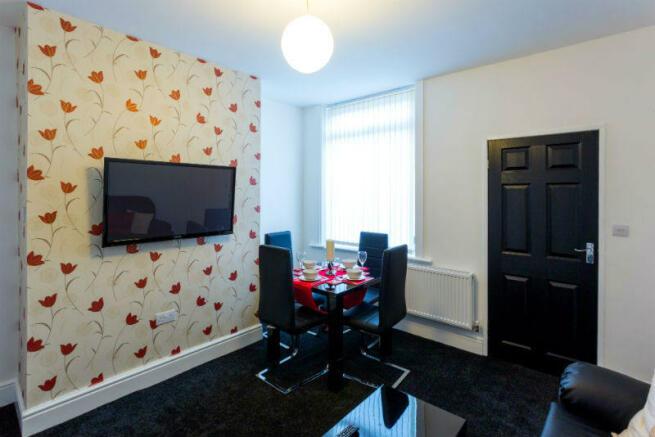 86 Blandford living room 1.3