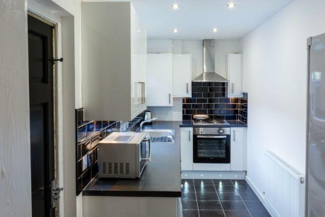 86 Blandford kitchen 1