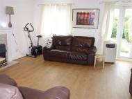 3 bedroom home in Darlands Drive, Barnet