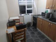 Flat in Bramley Road, Oakwood...