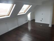 3 bed Duplex in Woodland Way, Mill Hill