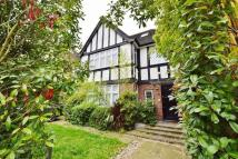 6 bedroom house to rent in Sherwood Road, Hendon...