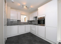 2 bed house in Millson Close, Whetstone
