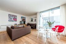 3 bedroom Flat in Dereham Place, London...