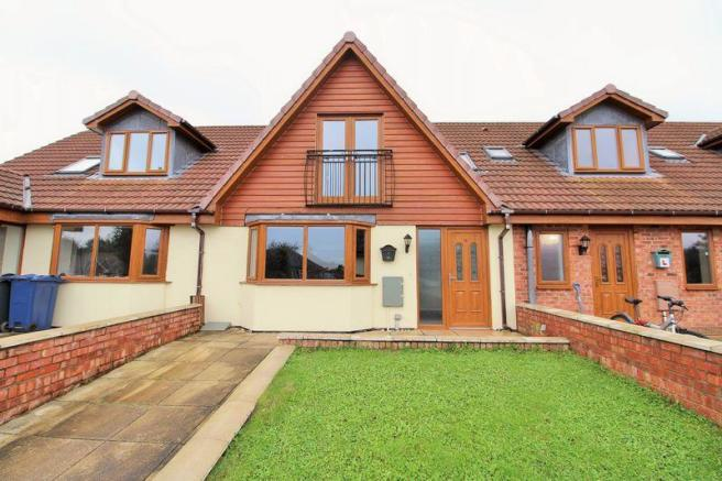 3 Bed Mid-Terr...