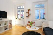 2 bedroom Apartment to rent in Montagu Square...