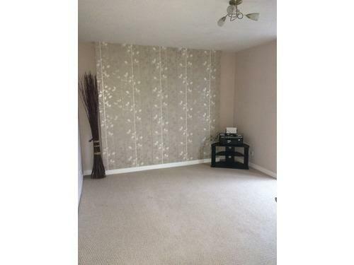 Memmel Street - Living Room.JPG