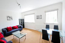Flat to rent in Shoot Up Hill, London...
