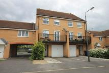 Town House to rent in MARQUIS GARDENS...