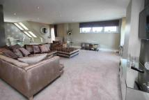 3 bedroom Apartment in Manor Road, Chigwell