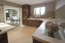 3 bed Penthouse in * SUPERB THREE BEDROOM...