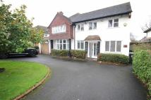 4 bed Detached property to rent in New Forest Lane, Chigwell