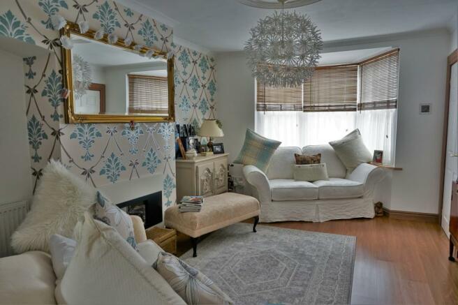 Living Room..JPG