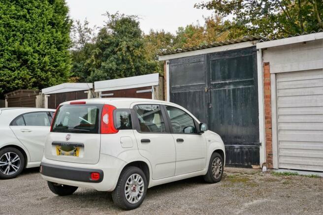 Garage and Parking.JPG