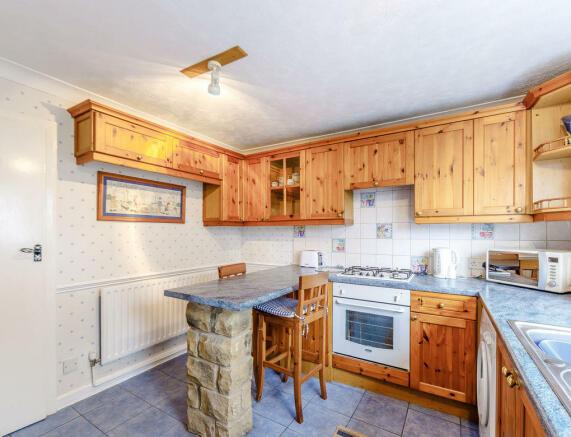 Large-kitchen2