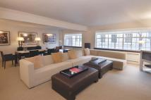 Flat to rent in Chalfont House...