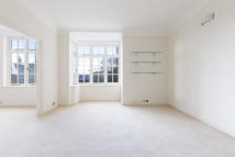 Flat to rent in Eresby House...