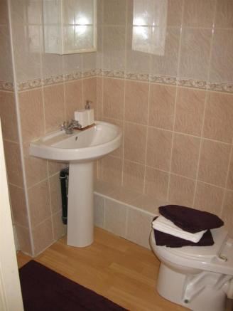 Bathroom1b.JPG